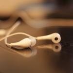 headphones-312817_640